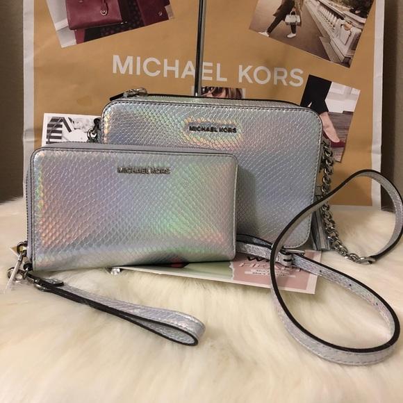 e5e1531630f986 Michael Kors Bags | Brand New Crossbody Metallic Rainbow | Poshmark